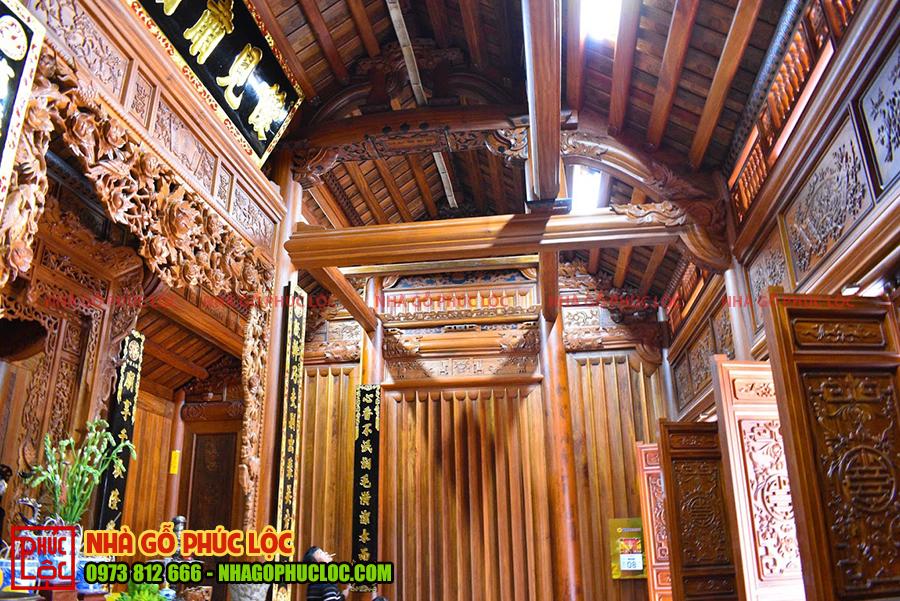 Bên trong nhà gỗ lim 3 gian cổ truyền