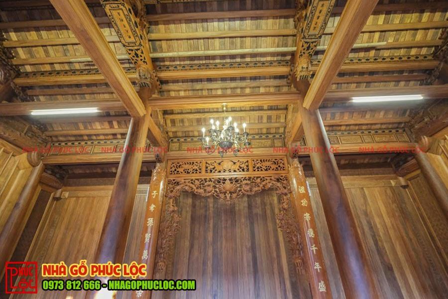 Bên trong không gian của nhà gỗ cổ truyền